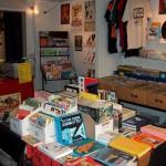 Sarjakuvakaupan tilat loppuvuodesta 2008, jolloin tilassa toimi Underground Ullakko ja Blue Cow -nimiset liikkeet.